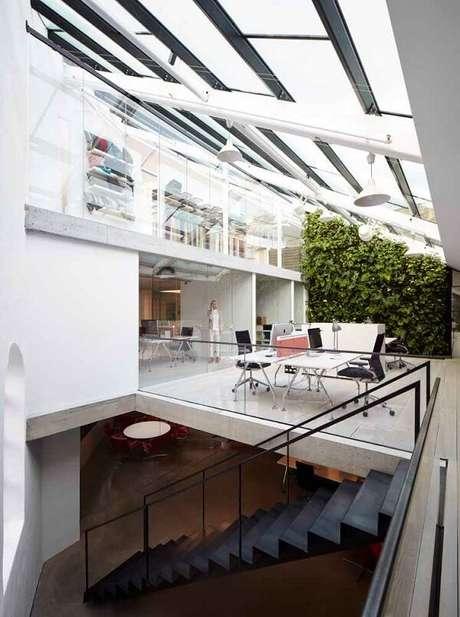 25. Cobertura de vidro ilumina com maestria o ambiente – Fonte: Pitnerest