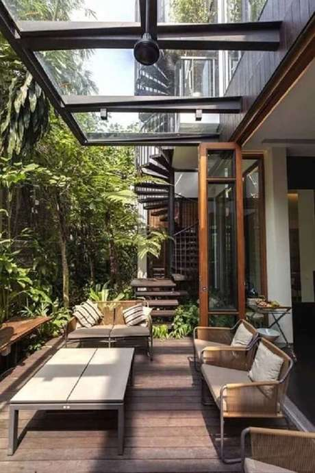 29. Cobertura de vidro para terraço com piso de madeira – Fonte Chaves na Mão
