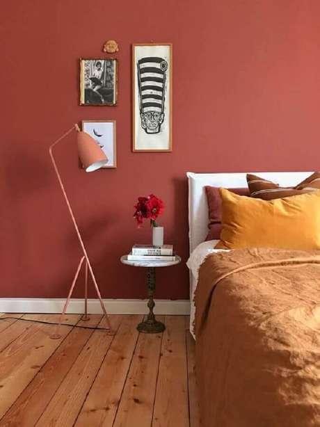 31. Cor de parede terracota para decoração de quarto simples minimalista – Foto: Behance