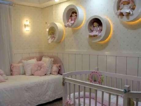 5- O nicho redondo para quarto de bebê tem iluminação indireta para valorizar a decoração. Fonte: Solo Infantil
