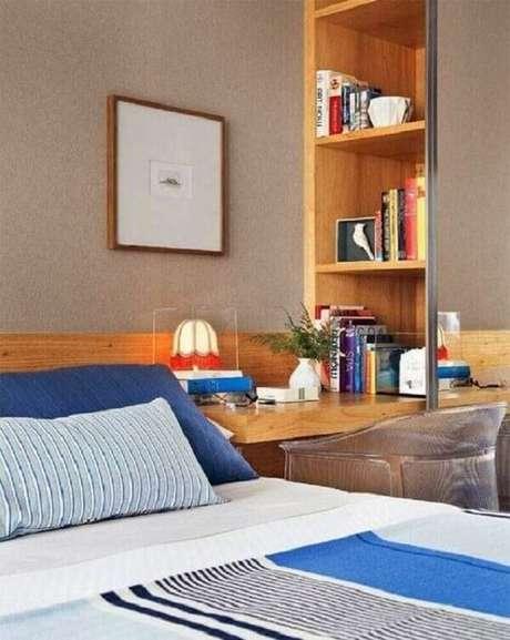 32- Os nichos para quarto ao lado da cama transformam o espaço em um pequeno home office. Fonte: Pinterest