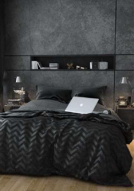 37- Na decoração cinza, o nicho de parede para quarto foi embutido e pintado na cor preta. Fonte: Dcorevocê