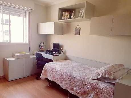 65- Na decoração simples os nichos para quarto possuem formatos retangulares. Fonte: Melissa Domezi