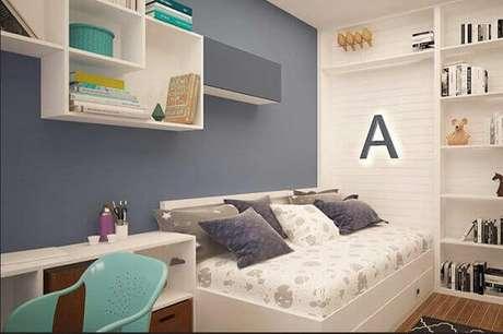 60- Os nichos para quarto infantil tem a função de criar uma área de estudos. Fonte: Pinterest
