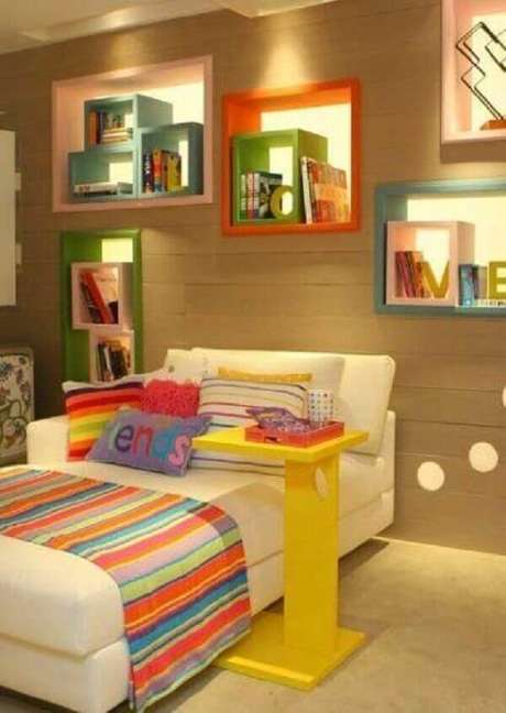 61- Os nichos para quarto sobrepostos criam um movimento decorativo e muito bonito. Fonte: Wikimulher