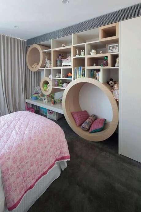 67- Na decoração um dos nichos para quarto se transformam em poltrona. Fonte: Pinterest