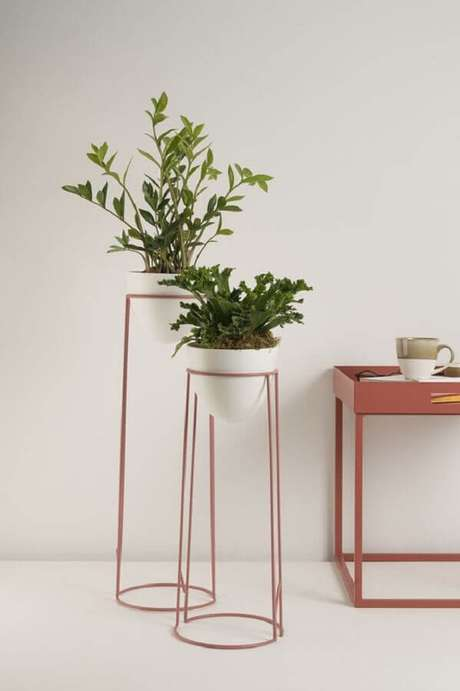 41. Delicados porta vasos na cor terracota – Foto: Pinterest