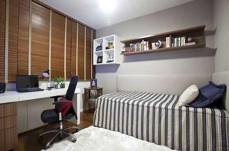 77- Os nichos para quarto servem de apoio para os objetos decorativos. Projeto por Vanja Maia