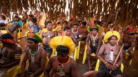 Hoje, segundo o IBGE, 42% dos indígenas brasileiros vivem fora de terras indígenas
