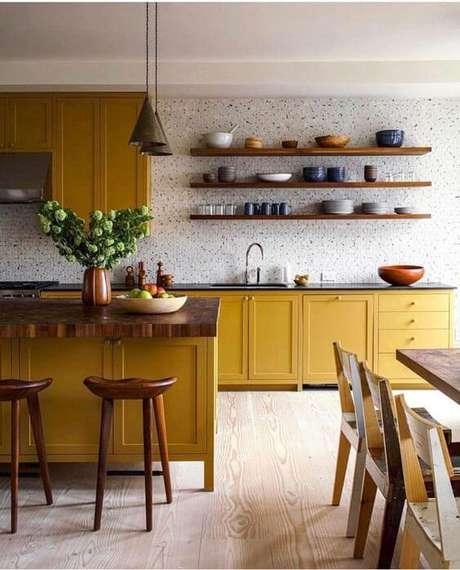 65. Cores para cozinha amarelo mostarda – Foto: Casa Vogue