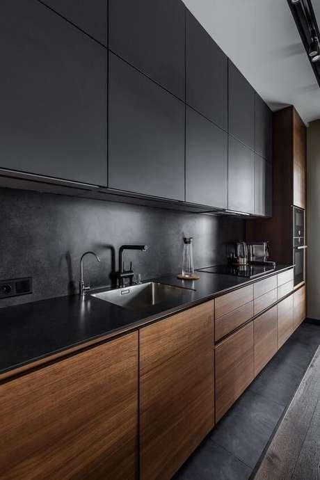 68. Cores para cozinha com armário preto – Via: Revista VD