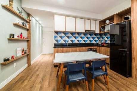 47. Cores para cozinha azul e preto – Projeto: Jessica Alavaski