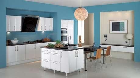29. Cores para cozinha azul e branca.