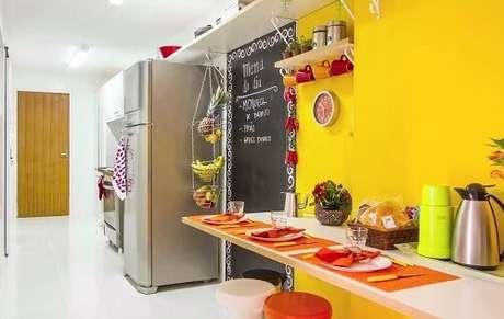 39. Cores para cozinha determinam o espaço.