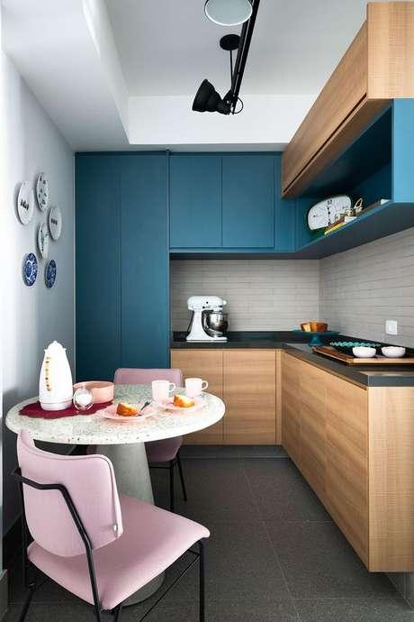 53. Cores para cozinha rosa e azul – Foto: Casa de Valentina