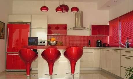 14. Cores para cozinha deixam o ambiente mais aconchegante e elegante.