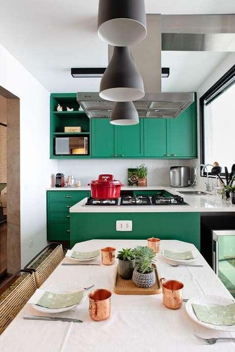 60. Cores para cozinha verde com detalhes vermelho – Foto: Casa de Valentina