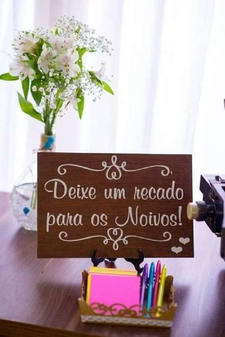 35- Espaço para mensagem é muito utilizado na decoração de noivado. Fonte: Pinterest