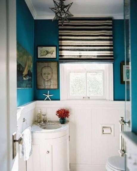16. Decoração simples com pia pequena para banheiro – Foto: Houzz