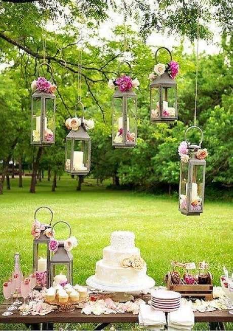81- As lanternas marroquinas transformam a decoção de noivado. Fonte: Pinterest
