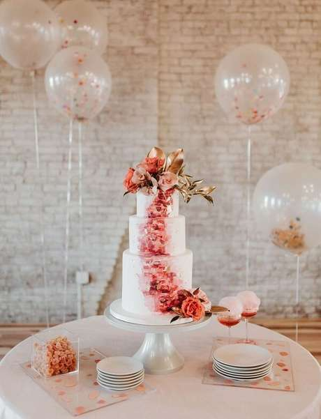 1- Ideias simples e baratas para a decoração de noivado. Fonte: Revista iCasei