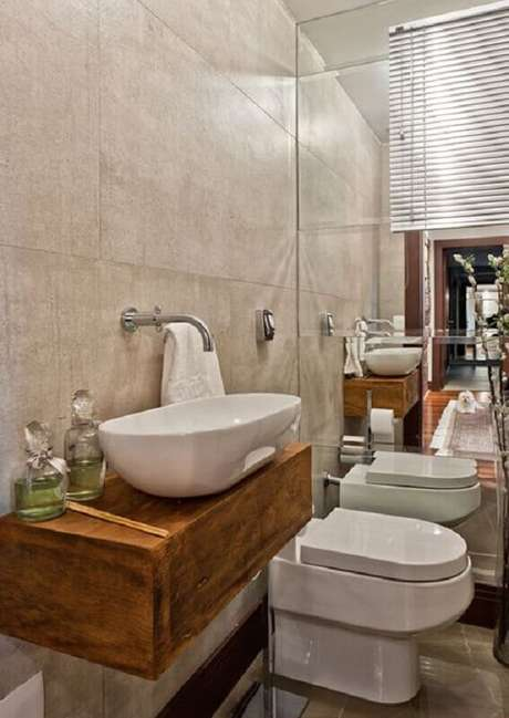 1. Escolher o modelo ideal de pia para banheiro pequeno é fundamental para otimização de espaço e funcionalidade – Foto: Pinterest