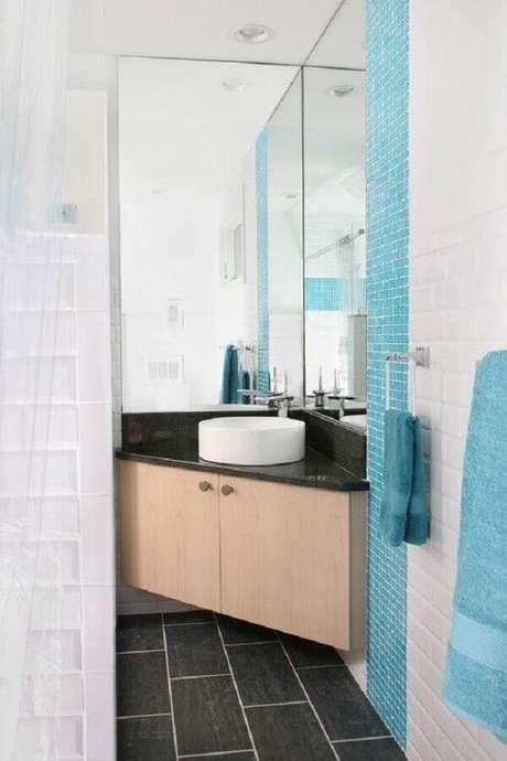 24. Pia de canto para banheiro pequeno planejado – Foto: Houzz