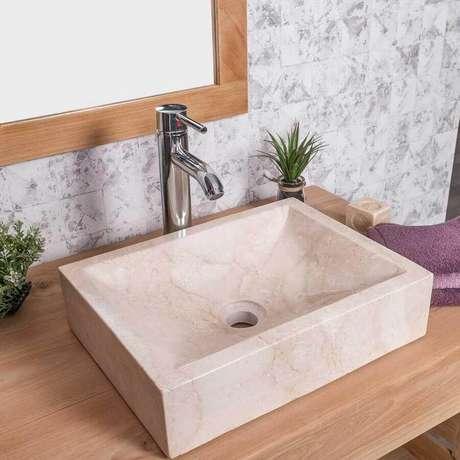 8. Modelo de pia de mármore para banheiro pequeno – Foto: Wanda Collection