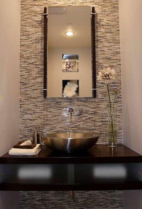 7. Modelo de pia de inox para banheiro pequeno – Foto: Pinterest