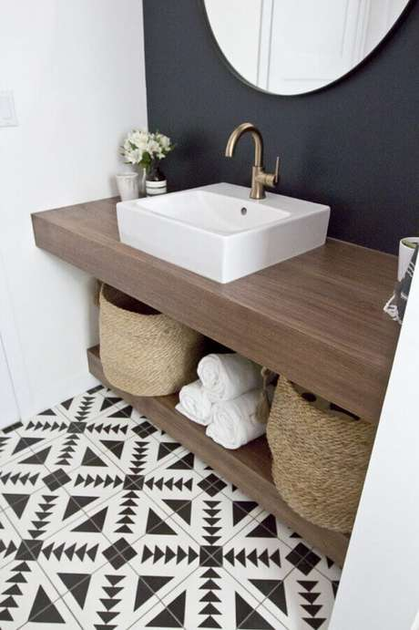 10. Modelo de pia de apoio para banheiro pequeno – Foto: HomeDeco