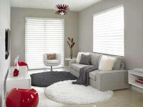 16. Você pode usar mais de um modelo de tapete redondo para sala – Foto: Dentox Dessign