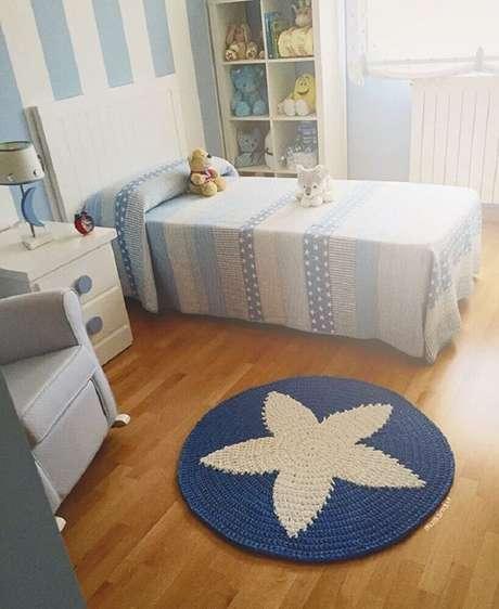 21. O tapete de crochê redondo também pode ser usado para decoração de quarto infantil – Foto: Fabric Taller