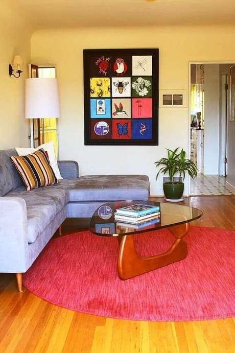 26. É importante escolher modelos de tapetes redondos que se harmonizem com o restante da decoração – Foto: Aaron Guides