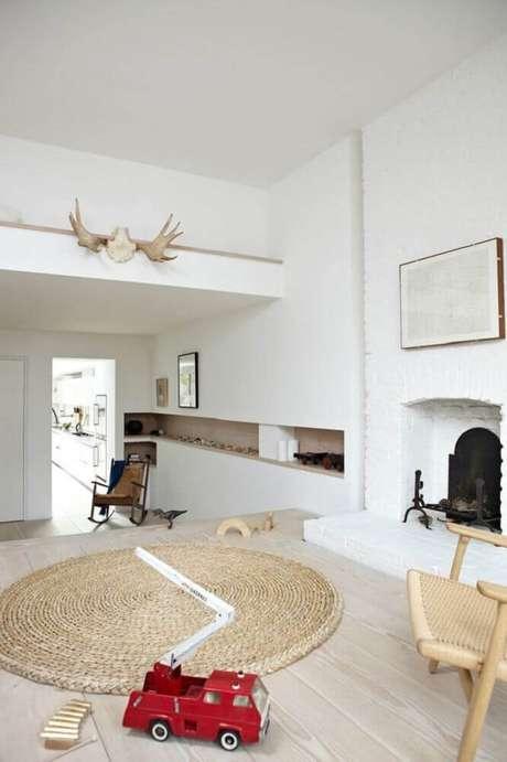 34. Decoração minimalista com tapete redondo de barbante – Foto: Kitchen Decor