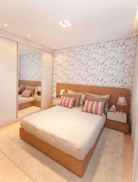 25. Modelos de quarto simples podem ficar mais charmosos com o uso do papel de parede – Foto: 321achei