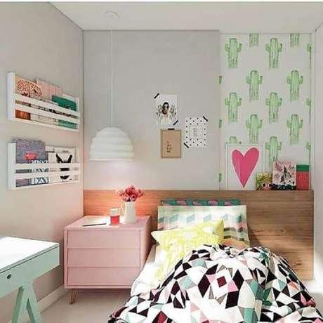 37. Invista em detalhes coloridos para modelos de quarto com decoração jovem – Foto: We Heart It