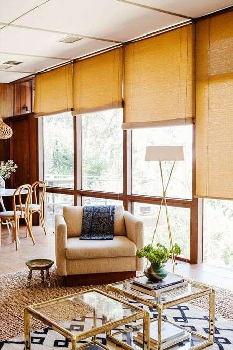 45. Persianas para sala de estar amarela – Foto: My domais
