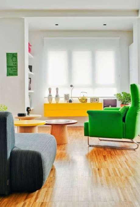 51. Persianas para sala colorida – Foto: Decor Fácil