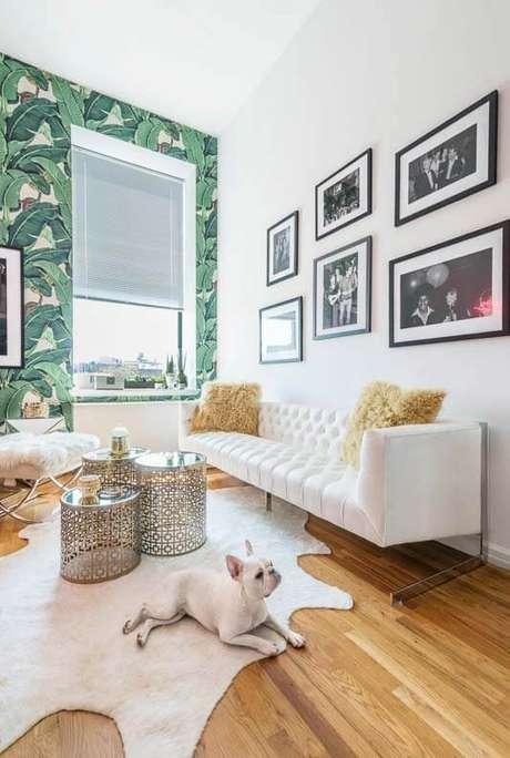 52. Sala de estar moderna com persianas – Via: Pinterest