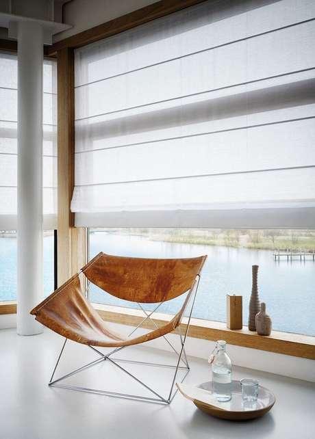 31. Persianas para sala de estar moderna – Via: Pinterest