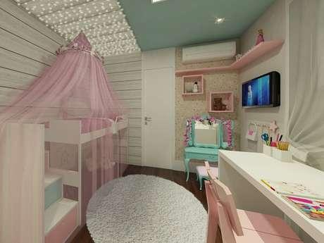 73. Quarto infantil com teto verde e tapete redondo branco – Fonte: Armazém Coletivo