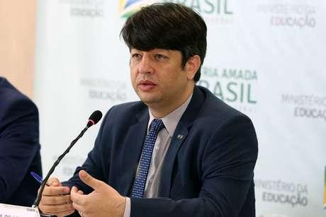Secretário de Educação Superior, Arnaldo Lima Junior, pediu demissão.