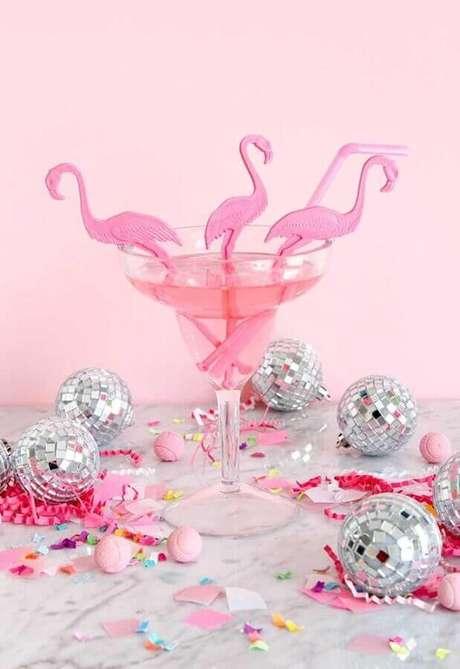 53. Detalhes para decoração de festa do flamingo rosa – Foto: Pinterest