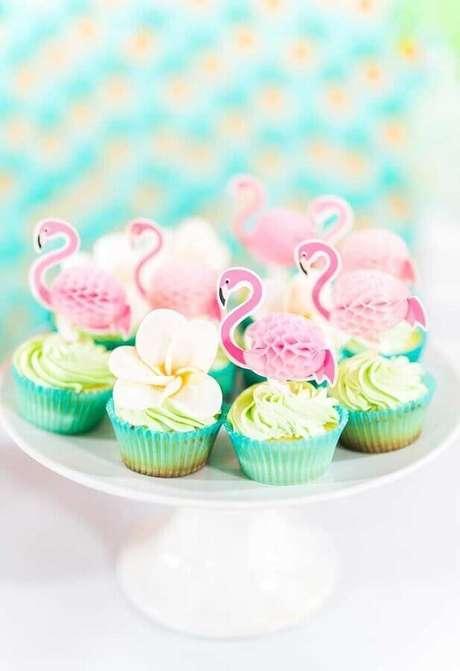 57. Doces decorados para festa do flamingo – Foto: Kara's Party Ideas