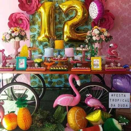 4. Os detalhes fazem toda a diferença na decoração de festa flamingo tropical – Foto: Luart's Festas