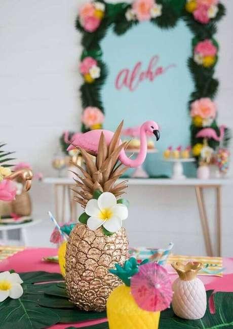 89. Lindos detalhes decorativos para festa flamingo e abacaxi – Foto: Pra Gente Miúda Criações