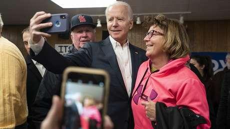 Em diversas pesquisas de opinião que simulam disputas com Trump, Biden é o democrata que mais abre vantagem contra o republicano