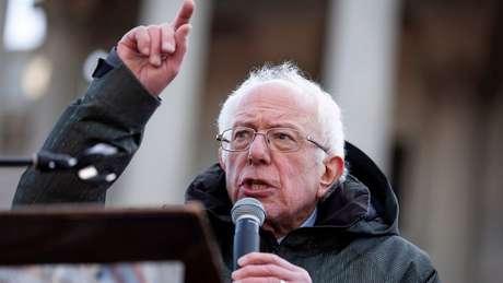 Campanha de Sanders tem ganhado tração e algumas pesquisas sugerem que ele pode chegar em primeiro lugar na disputa em Iowa