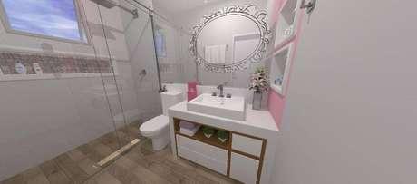 16. O espelho para banheiro de menina com detalhes é delicado e bonito. Projeto por Raquel Venezian