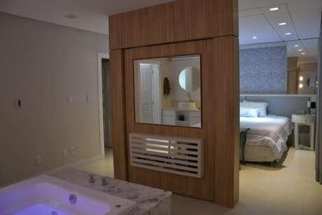52. Ou, neste caso, o espelho para banheiro uma divisória de ambientes. Projeto de 501 Arquitetura
